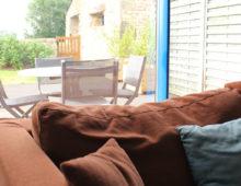 vue-salon-jardin-gite-blavet-domaine-des-trois-rivieres-merlevenez