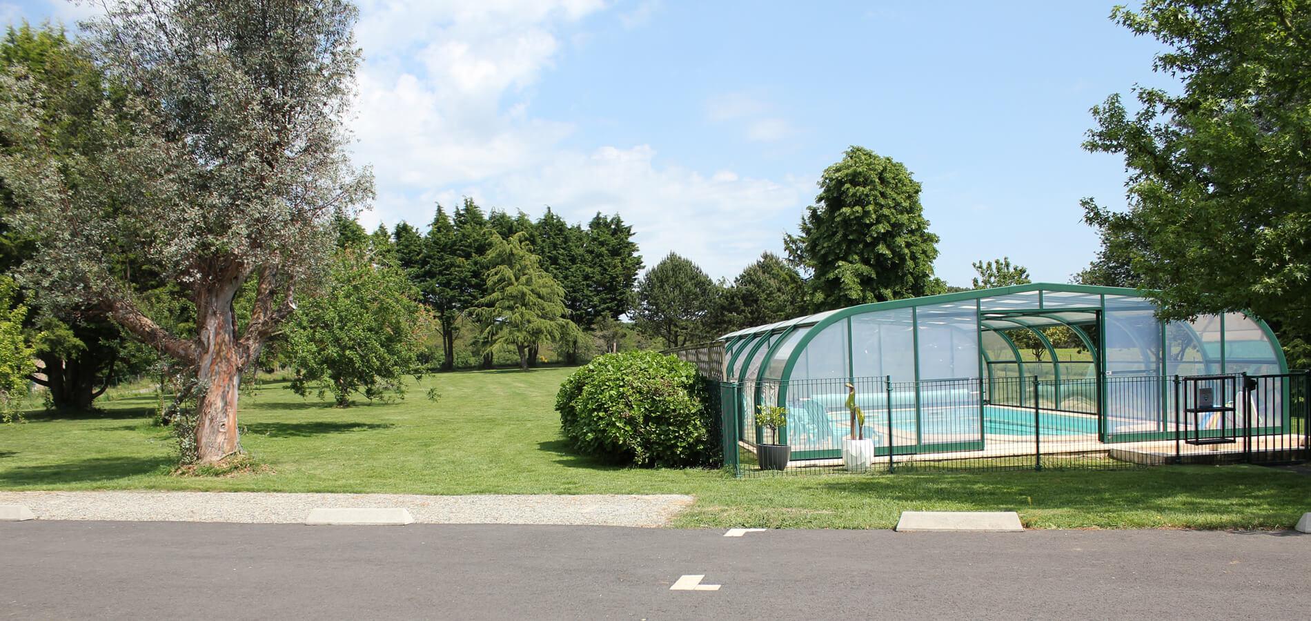 piscine-jardin-domaine-3-rivieres-bretagne